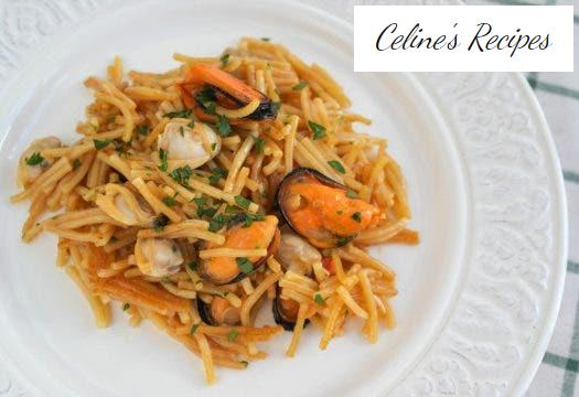 Seafood fideuá with clams and mussels