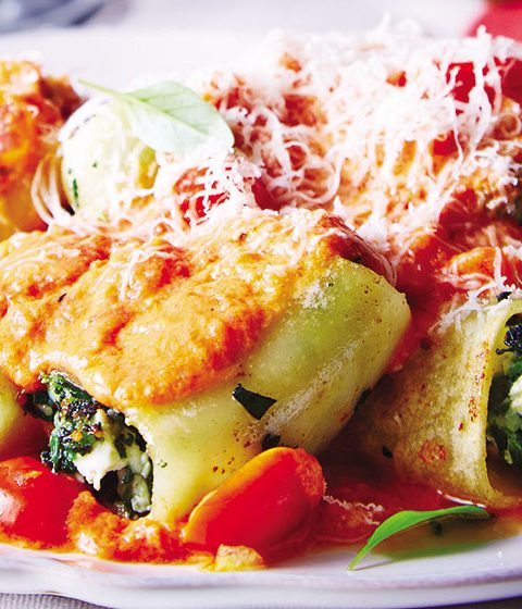 Cannelloni stuffed with cheese