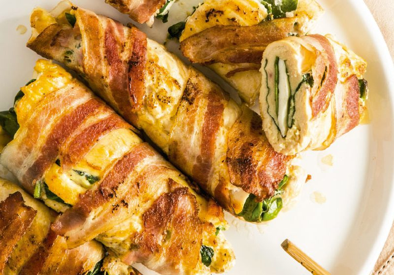 Chicken rolls stuffed with spinach and bacon